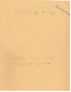 Un dossier: cote interne au service, tampon archives et mention du nombre d'exemplaires restant