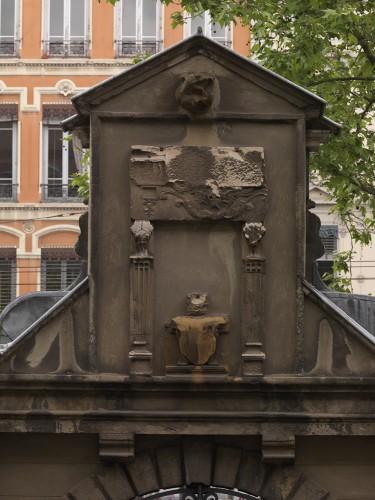 Détail du revers du portail en 2011