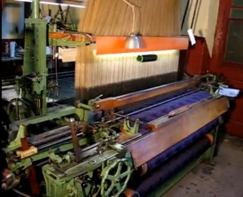Métier Jacquard mécanique en fonctionnement, Vaulx-en-Velin