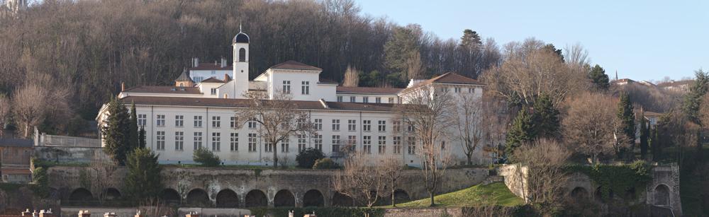 Ill. 1. Vue d'ensemble des archives départementales du Rhône. (Eric Dessert © Région Rhône-Alpes, Inventaire général du patrimoine culturel, 2014 – ADAGP)