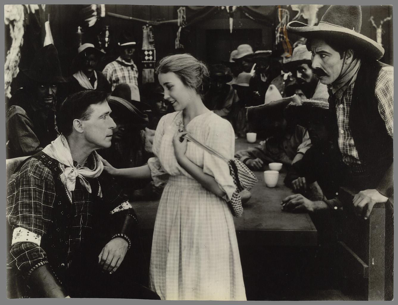 William S. Hart, The Aryan, 1916. Avec Bessie Love. Scénario de C. Gardner Sullivan. Coll. Cinémathèque française. D.R.
