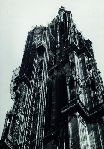 La flèche de la cathédrale dans les années 1960. (Denkmalarchiv, DRAC Alsace)