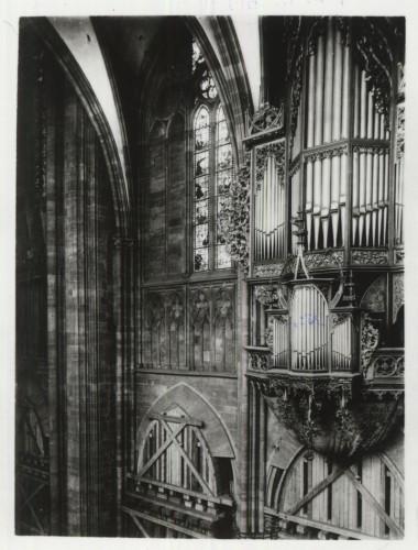 Pour étayer les voûtes du bas-côté nord, le pendentif a été démonté en 1908 (Fondation de l'Œuvre Notre-Dame, Strasbourg)