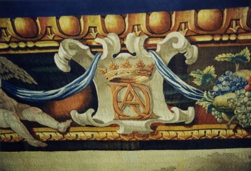 Chaque bordure porte, dans sa partie supérieure, les armoiries et les initiales d'Armand du Plessis, cardinal de Richelieu. Cliché : Gilbert Poinsot (DRAC Alsace)