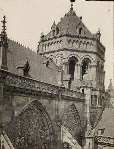 Tour de croisée de la cathédrale après les travaux de G. Klotz. Cliché : Service d'architecture de l'Œuvre Notre-Dame (Denkamalrchiv, DRAC Alsace)