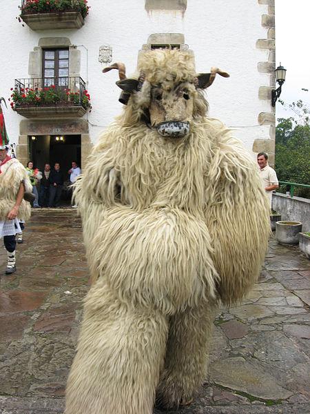 L'ours (artza) des Joaldunak d'Ituren (2007)