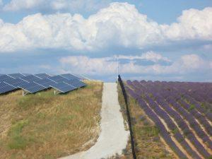 La centrale photovoltaïque au sol des Mées