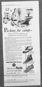 "Fig.10 ""Packing for Camp"". Publicité pour Keds' shoes, American Girl, Juin 1928, p.37. Source : J. Walter Thompson Company. 35mm Microfilm Proofs, 1906-1960 and undated. Reels 38."