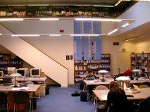 Salle de consultation de la Documentation française