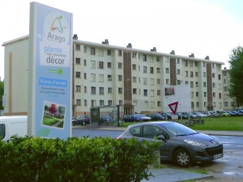 Arago Change de décor, comunication visuelle installée à l'entrée des bureaux de DomoFrance