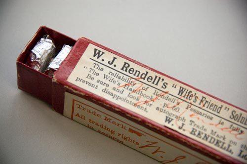 "Boîte de ""Wife's Friend"" du Dr Rendell"