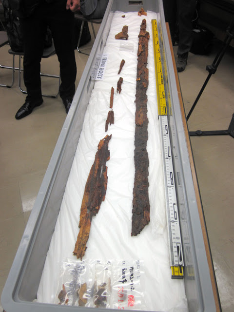 A sword and scabbard found in Ebino, Miyazaki Prefecture, believed to have originally been about 150 centimeters long [Credit: Shunsuke Nakamura]