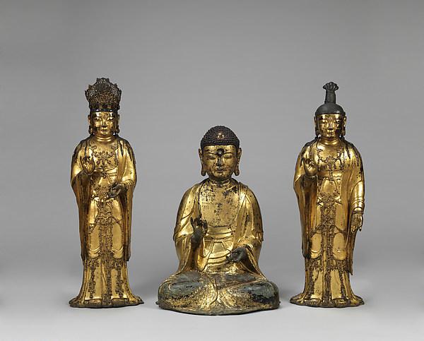 Amitabha triad아미타 삼존불 고려 阿彌陀三尊佛 高麗. Goryeo period (918–1392), dated 1333, gilt bronze. (a) Buddha: 69.1 cm; (b) Attendant bodhisattva, right: 87 cm; (c) Attendant bodhisattva, left: 87 cm © The Met.