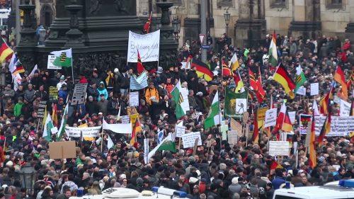 Pegida-Demonstration am 25. Januar 2015 in Dresden (CC)