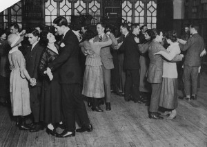 LSE, Lunch hour dance, 1920 (http://archives.lse.ac.uk/record.aspx?src=CalmView.Catalog&id=IMAGELIBRARY%2f778)