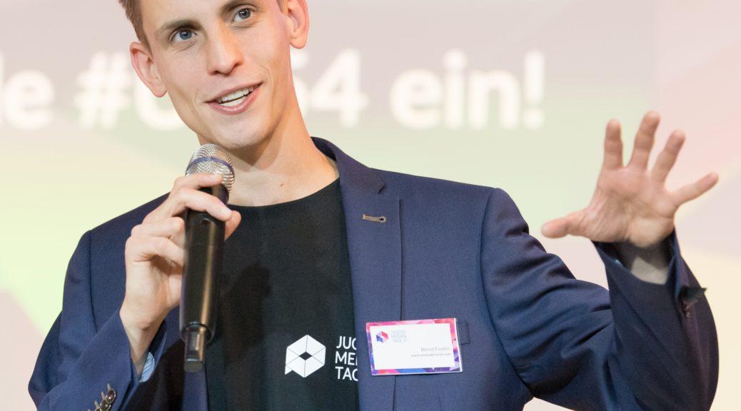 Foto Bernd Fiedler, Moderator Foto: Jonas Walzberg
