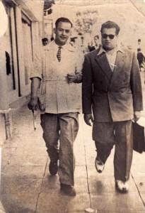 """Ali Boumendjel et son ami Mohand Selhi (lui aussi pris par les parachutistes et """"disparu"""" durant la Bataille d'Alger). Achives Boumendjel."""