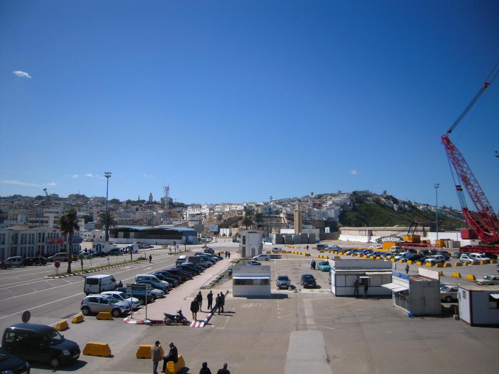 Tanger migrations et mutations d une ville portuaire for Piscine du port marchand