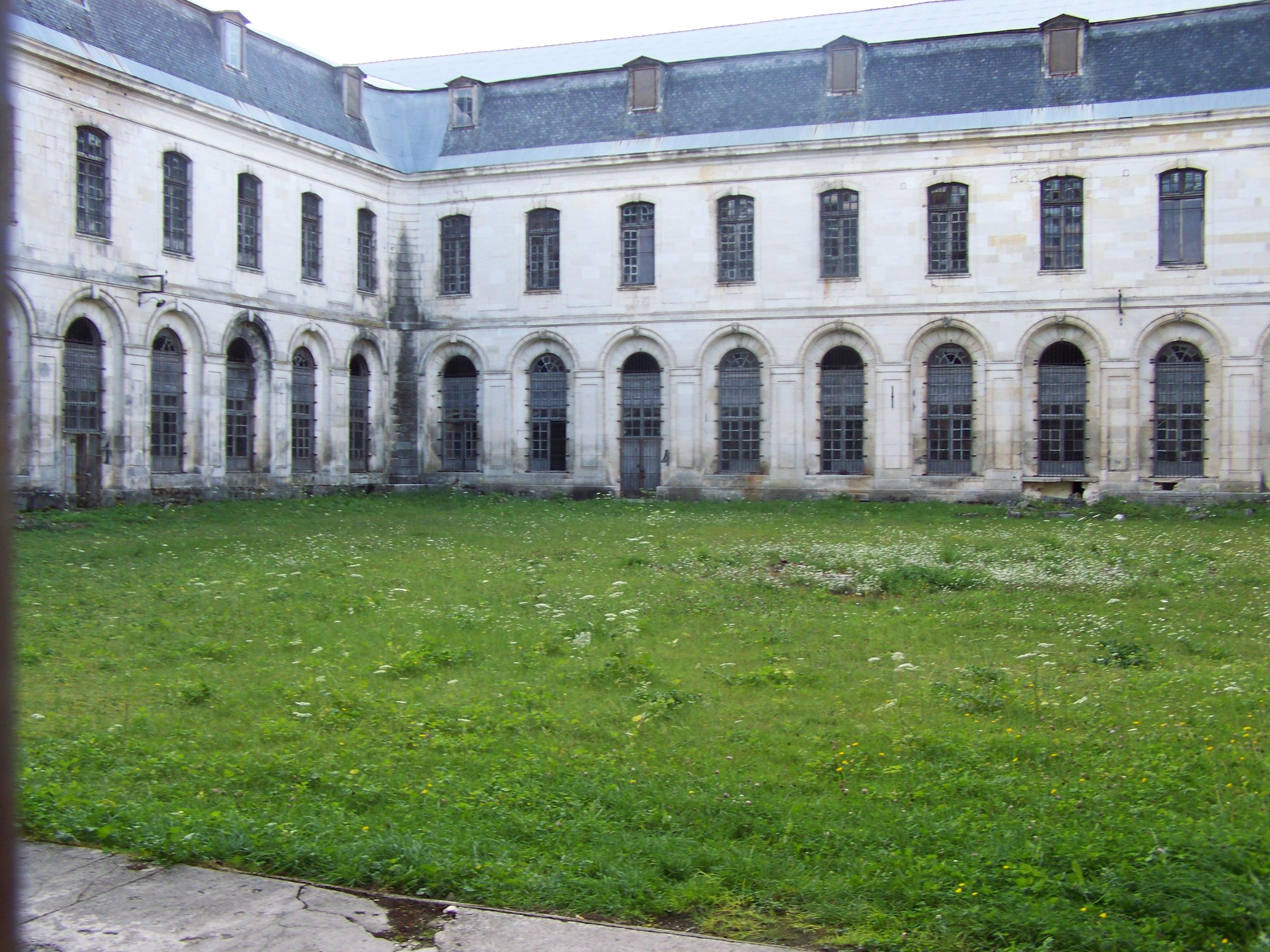 la maison centrale de clairvaux de l abbaye cistercienne 224 la prison quelle mise en valeur