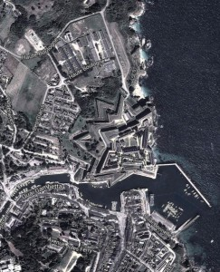 Citadelle et colonie vue aérienne