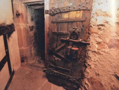 Le Chateau De Selles A Cambrai Une Prison Qui Traverse