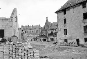 Démolition des ateliers chaises bois, flanc sud de la centrale, 1963, © Service Régional de l'Inventaire, Région des Pays de Loire.