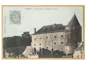 Fig. 8 Carte postale représentant la façade de la prison, xxe siècle, Coll. Médiathèque Jean-Loup Trassard, Mayenne.