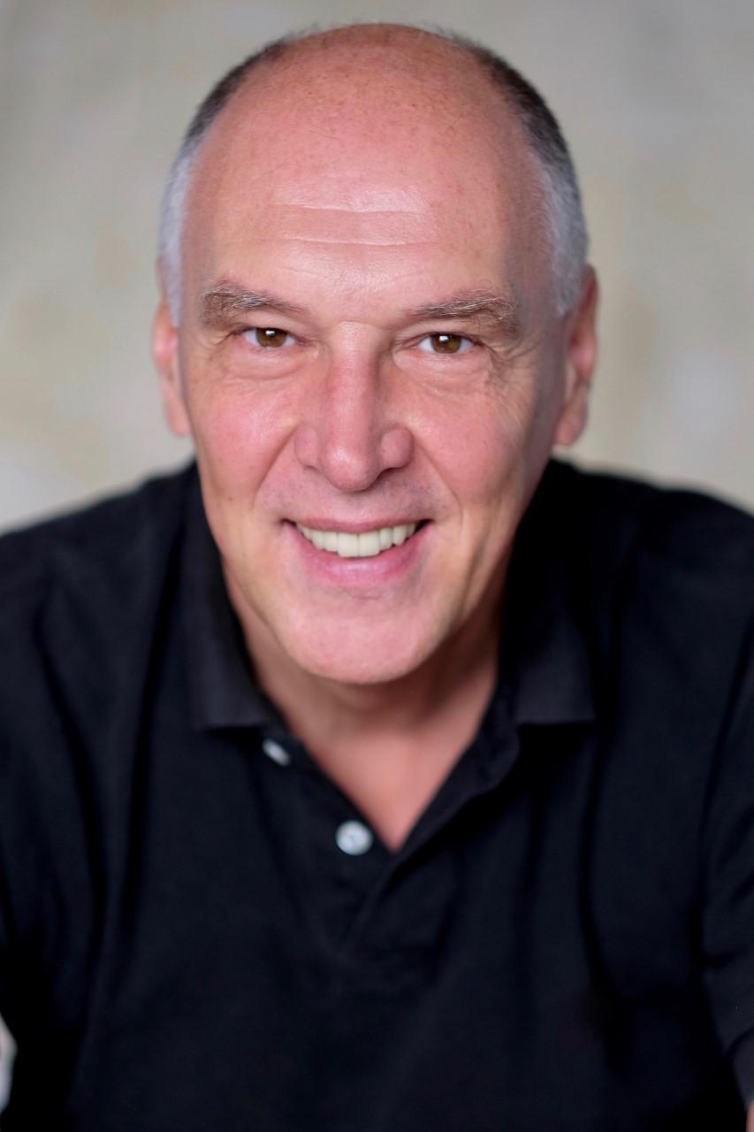 """216 – Portrait du jour : Phil Smans, l'auteur de """"La liste ..."""