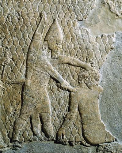 Scène de guerre, Ninive (R.D. Barnett et al., 1998, Sculptures from the Southwest Palace of Sennacherib at Nineveh, BMP, Londres : 434c)