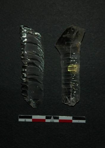 Ondulations prononcées sur les faces inférieures des produits (ces ondulations produisent parfois des denticulations sur les bords des lamelles, cf. lamelle de gauche)