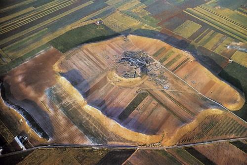 Fig. 7 : vue aérienne d'Ebla.