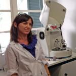 Fig. 4 : Zoe Zgouleta, secrétaire et technicienne du Fitch Laboratory.