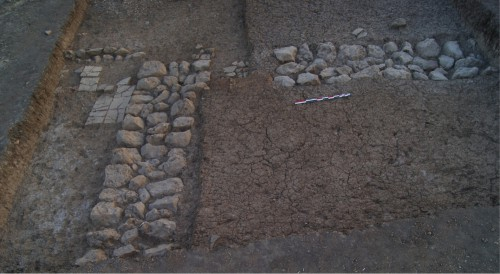 Fig. 6: Angle du bâtiment monumental du chantier C (Mission du Peramagron).