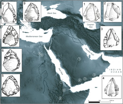 Fig. 2 : Répartition des principaux sites présentant une technologie nubienne en Afrique de l'Est et en Arabie. 1. Al-Kharj 22; 2. Aybut Al Auwal; 3. Shabwa; 4. Hadramawt; 5. Aduma; 6. Gademotta; 7. Asfet; 8. Nazlet Khater 1; 9. Abydos. (Crassard & Hilbert 2013)