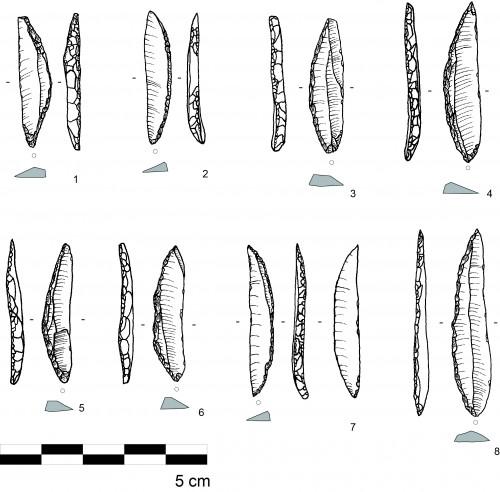 Fig. 6 : Matériel du site de Mutahafah. 1 à 8 : segments de cercle.