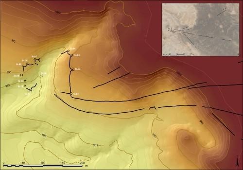 Fig.4 : Modèle Numérique de Terrain et relevé d'ensemble du kite JKSH 04 (MASEJ, Secteur des Jibal al-Khashabiyeh).