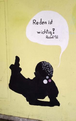 """Fig. 2 : """"Wir müssen reden !"""" : il faut causer ! (graffiti de la Bäckerstrasse à Vienne)."""