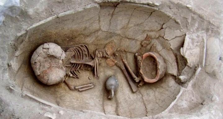 Pot-Burials_fig_04_jar_Sidon