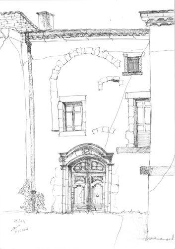 Fig. 7 : Croquis d'ambiance de la porte XVIIIe de la cour du puits, par Laure Nicoud. Le porche sud de la commanderie, en bandeau dans ce billet, est signé Petra N'guyen