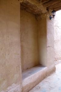 A Boussemghoun (ksar), une niche comprenant un banc et couverte, donne l'impression d'être une pièce publique © BENKOULA H.