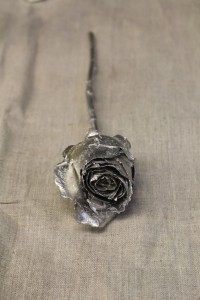 Lifecast rose. Giulia Chiostrini and Jeffrey Palframan, The Making and Knowing Laboratory. Image Credit: Making and Knowing Project.