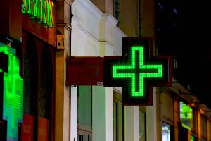 Figure 1. A pharmacy sign in Paris. Photo by Daniel Stockman, 2010.