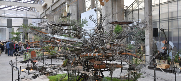Maquette au 1/10e de l'Arbre aux Hérons, auteurs : Pierre Orefice et François Delaroziere. Les machines de l'Ile de Nantes. Prise le 29 février 2012 par Fourrure. (CC BY-SA 2.0) https://www.flickr.com/photos/21345015@N06/7473706018/