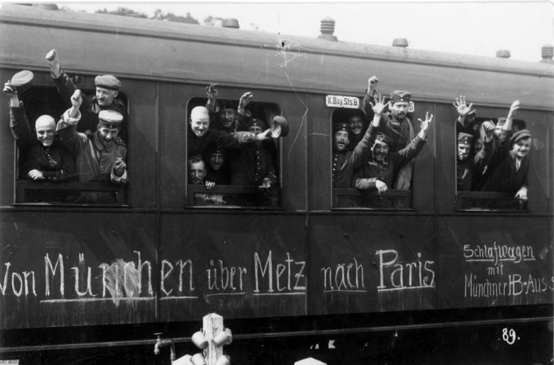 Bundesarchiv_Bild_146-1994-022-19A,_Mobilmachung,_Truppentransport_mit_der_Bahn