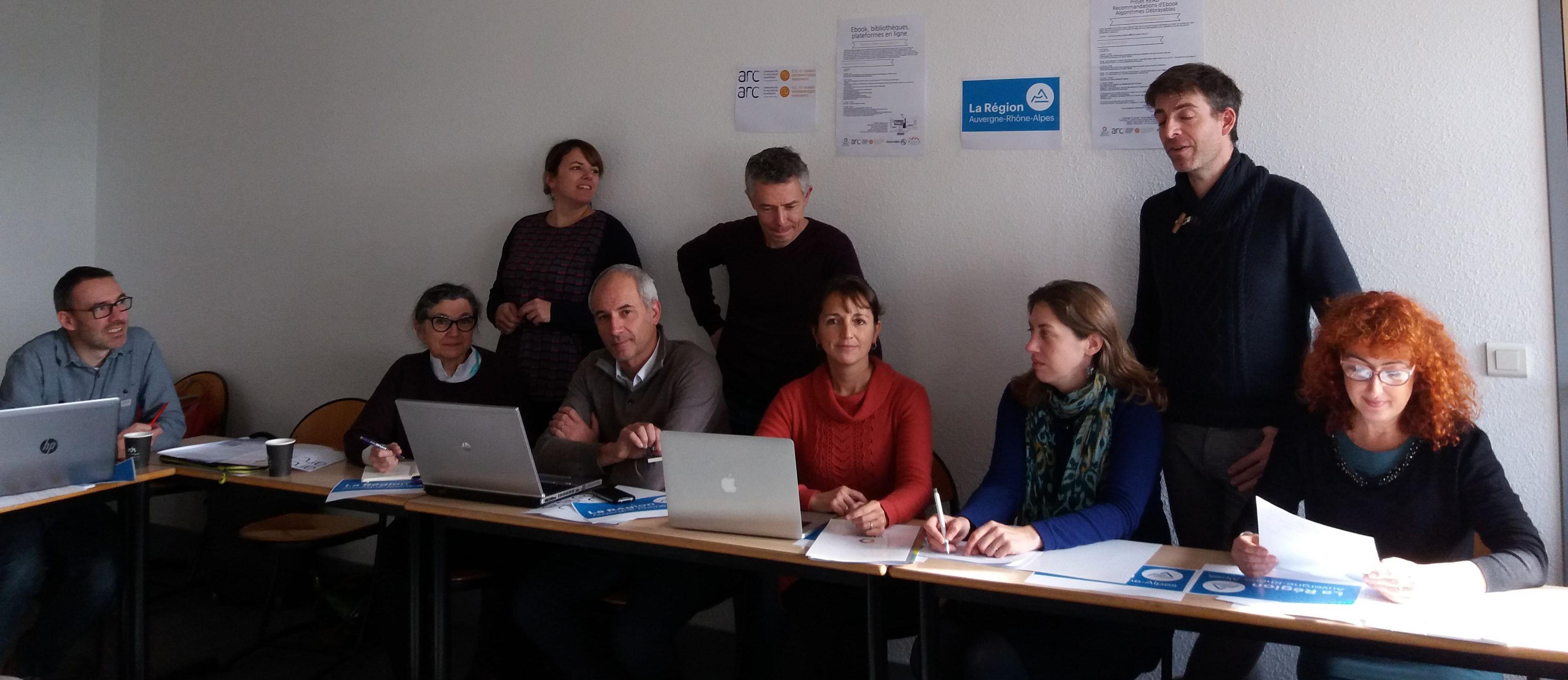 Groupe READ (de gauche à droite) (assis) Benoît Epron, Françoise Paquienséguy, Jean-Marc Francony, Aude Inaudi, Marianning Le Bechec, Fabienne Soldini (debouts) Marie Doga, Emmanuel Brandl et Oliver Zerbib
