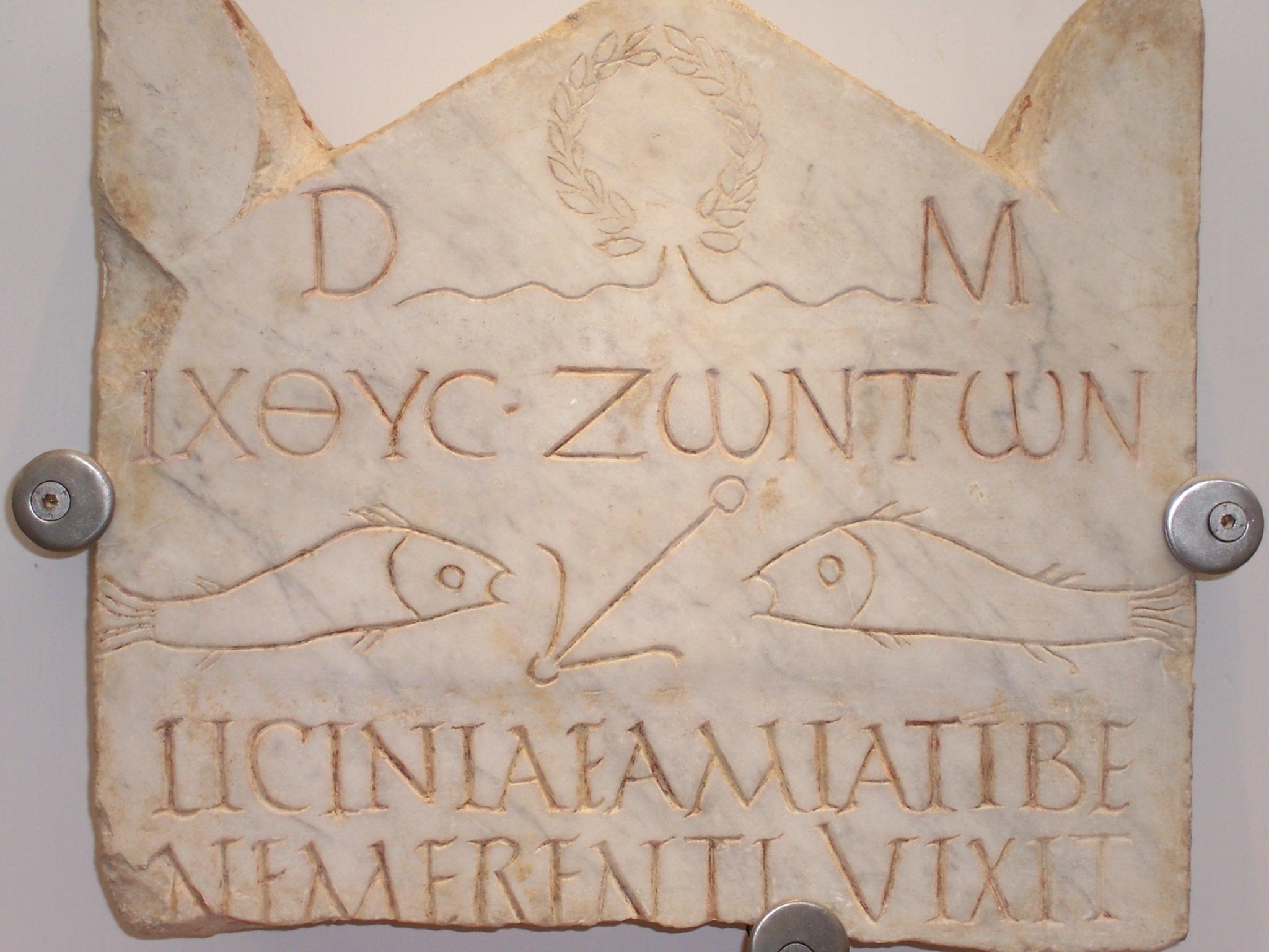Inscripción tardía en alfabetos griego y latino (Museo Nacional ...