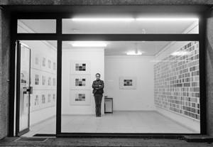 Gerhard Richter im Kabinett für aktuelle Kunst, Bremerhaven 1971, Foto: Jürgen Wesseler, Bremerhaven