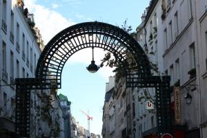 Rue Montorgueil, Paris. Crédits: Mathilde Caro.