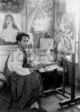 Areno Iukanthor, Cambodgian painter and prince, grandson of the king Nobodom Ist. © Roger-Viollet / Topfoto