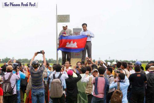 cambodianflag_border203_phnompenhpost